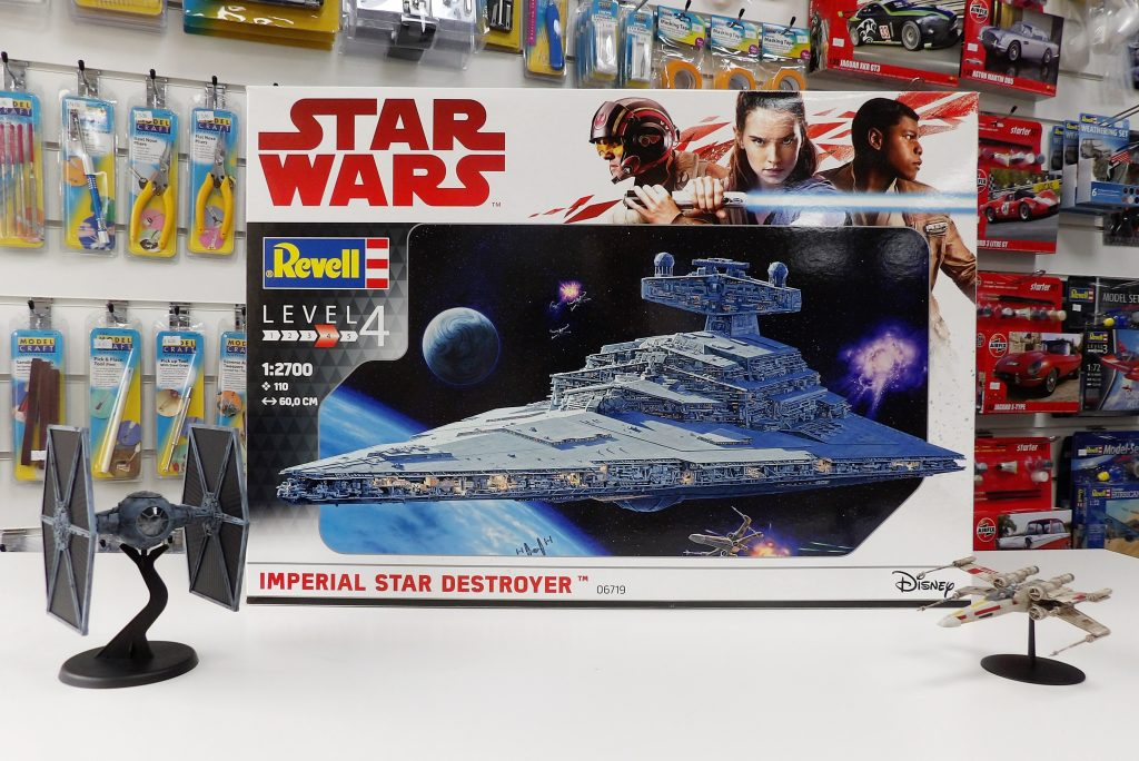 Revell Imperial Star Destroyer Space Craft Dundee