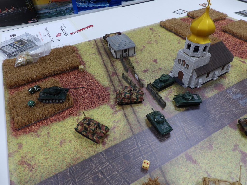 Tanks Russian American COrn Fields Space Craft Dundee Wargame